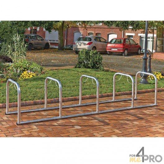 Soporte para bicicletas en línea con 5 arcos