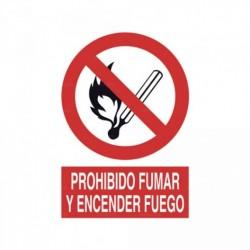 Señal Prohibido fumar y encender fuego