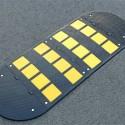 https://www.4mepro.es/24925-medium_default/reductor-de-velocidad-de-goma-completo-con-bandas-amarillas.jpg